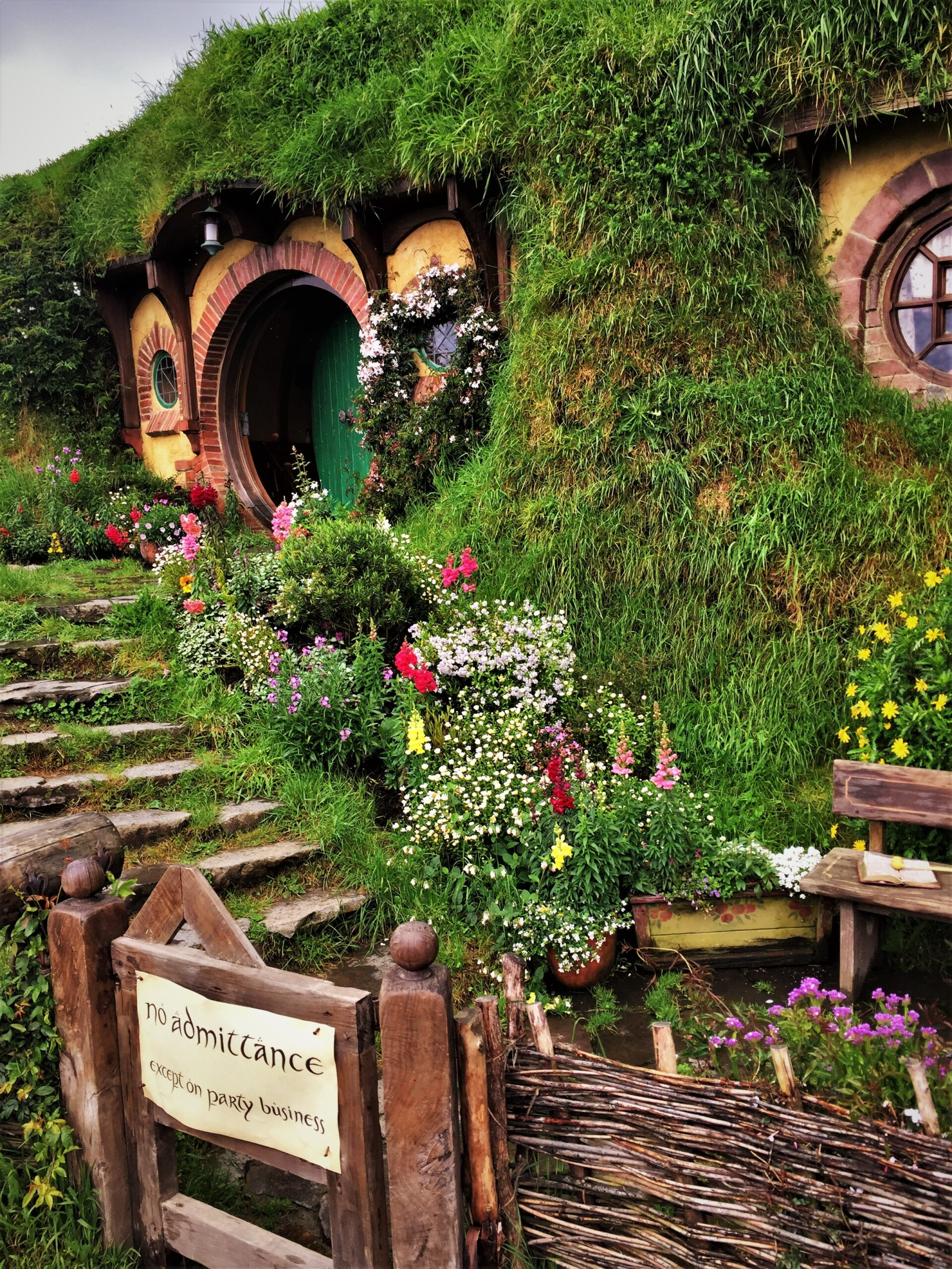 Bag End,Bilbo Baggins' residence
